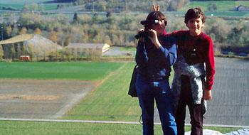 Ferien auf der Rega-Basis Untervaz: Andi und Patrick im November 1984