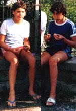Die selben Jungs am selben Ort, aber vor 20 Jahren noch mit intakten Gelenken und wenig Fett auf den Rippen: Südfrankreich, Sommer 1985