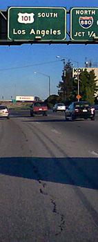 Spuren des letzten Erdbebens oder was? US 101 bei San Jose, 10. August 2006