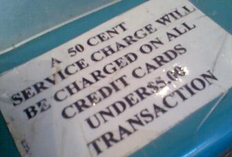 Mühsam - kommt auch in den USA immer mehr... nieder mit den Bankspesen!
