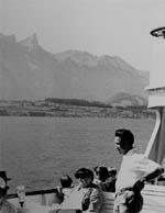 Die Familie entdeckt die Schweiz und ist in meinen heutigen Gefilden unterwegs: Thunersee, ca. 1958 (Klicken für grössere Fassung)