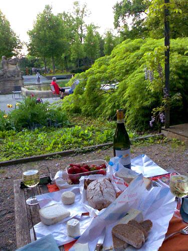Picknick im Berner Rosengarten, April 2007