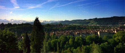 Aussicht aus dem Salemspital gen Berner Altstadt und Alpen: Da wird man schnell gesund...