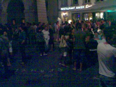 Mühsame Feten in der Gegend Anker / Pery-Bar: Kein Durchkommen für Velos mehr (Juli 2007)