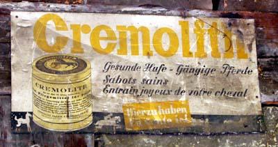 Cremolith-Werbung von gaaaaanz früher (Hof zwischen Hasli und Riggisberg, 12. August 2007)