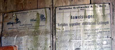 Anweisungen der BKW von 1931 (Hof zwischen Hasli und Riggisberg, 12. August 2007)
