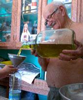 Herrlicher Laden mit Original - und billigem, aber extrem feinem Olivenöl (September 2007)