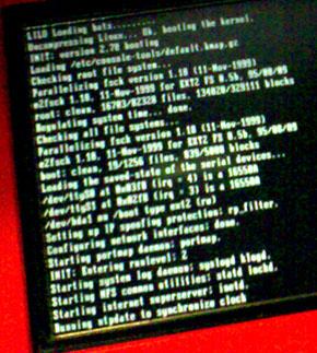 Der Ticketautomat vom Bahnhof Wengen ist am booten... (14.12.2007, 21 Uhr)