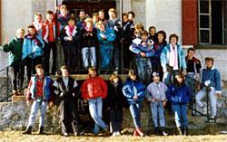 Die Klassen 4a und 4e der Sek Sissach in Savognin (Januar 1988)