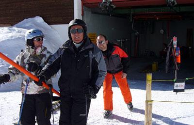 Der Blöker als Skiliftbügelgeber: Oberalppass, 18. Februar 2008