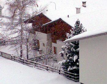 Karfreitag 2008 in Sedrun: Ein Schneetag