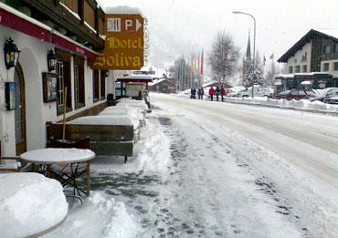 Dienstag, 25. März 2008: 35cm Neuschnee in Sedrun über Nacht