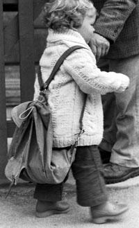 Klein Blöker 1974 hilft seinem Tat