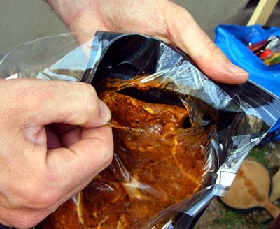 Grillfleisch: Unmöglich verpackt (Mai 2008)