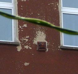 Interessante DDR-Konstruktion an vielen Häusern: Wozu sind die Dinger gut? (Mai 2008)