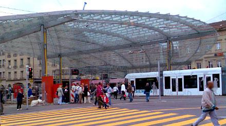 Der Baldachinam Berner Bahnhofplatz, frisch entblösst, Mai 2008