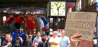 Ticketsuche am Sonntag im HB Zürich (8. Juni 2008)