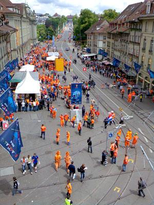 Kornhausplatz Bern, Freitag, 12.30 Uhr (13. Juni 2008)
