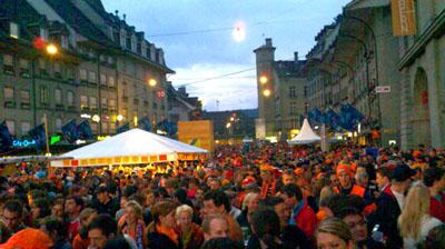 Voller Kornhausplatz für Holland-Rumänien (17. Juni 2008) - Klicken für mehr