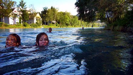 Marzili, 23. Juni 2008: Die Aare mit rund 19 Grad!