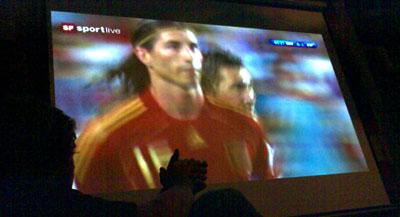 Mehr Tore wären nett gewesen - aber jede Niederlage von Deutschland ist OK (29. Juni 2008, im Kairo)