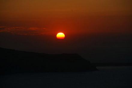 Sonnenuntergang auf Santorini - mit der Sony A350 und 250mm Brennweite endlich wirklich gut aufnehmbar (August 2008) - Klicken für mehr Bilder