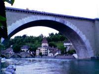 Nadeggbrücke mit Publikum
