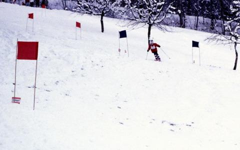 Erstes Itinger Skirennen im Januar 1985 (Klick) - Foto: Stefi Jacomet