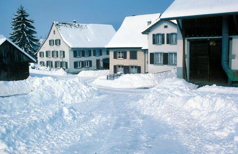 Schneerekord in Itingen BL, Februar 1986 (Klick)